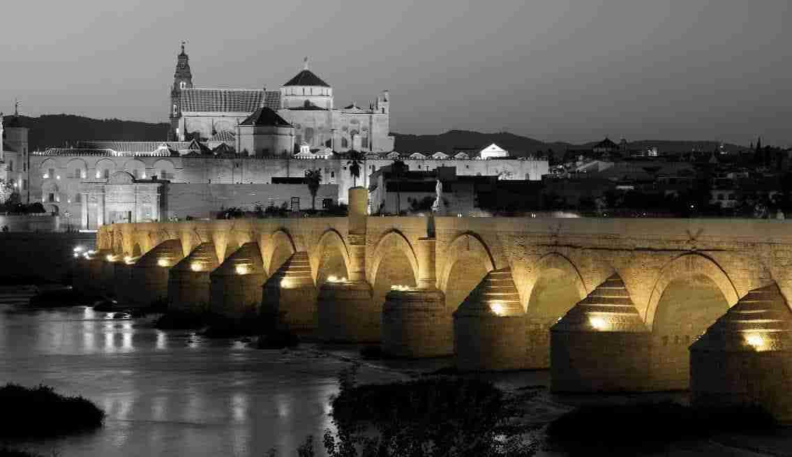 Puente Y Mezquita Catedral