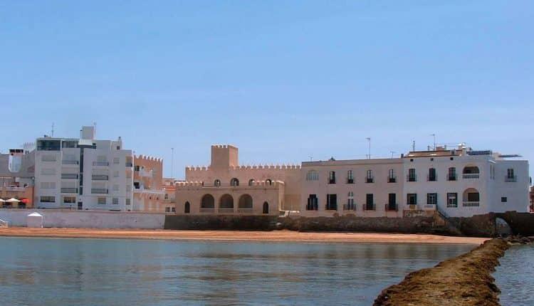 """Castillo De Chipiona, Centro De Interpretación """"Cádiz Y El Nuevo Mundo""""."""