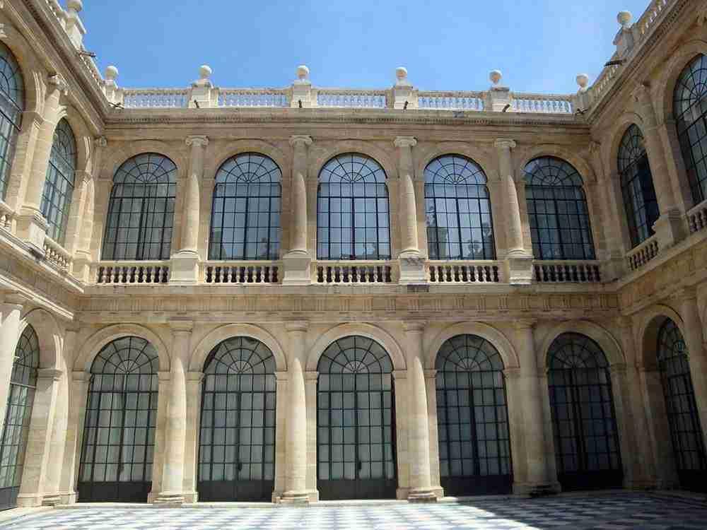 Patio Interior Del Archivo De Indias