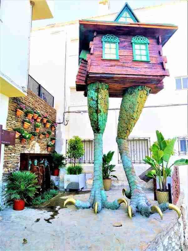 Casa De Baba – Yaga.