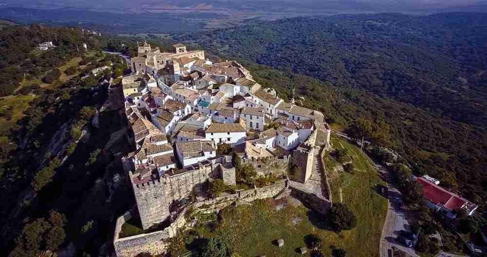 El Castillo De Castellar De La Frontera En La Provincia De Cadiz