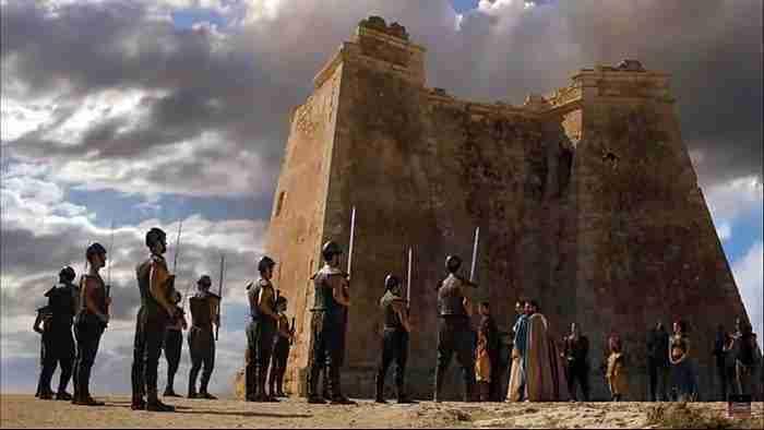 Torre De Mesa Roldán Juego De Tronos